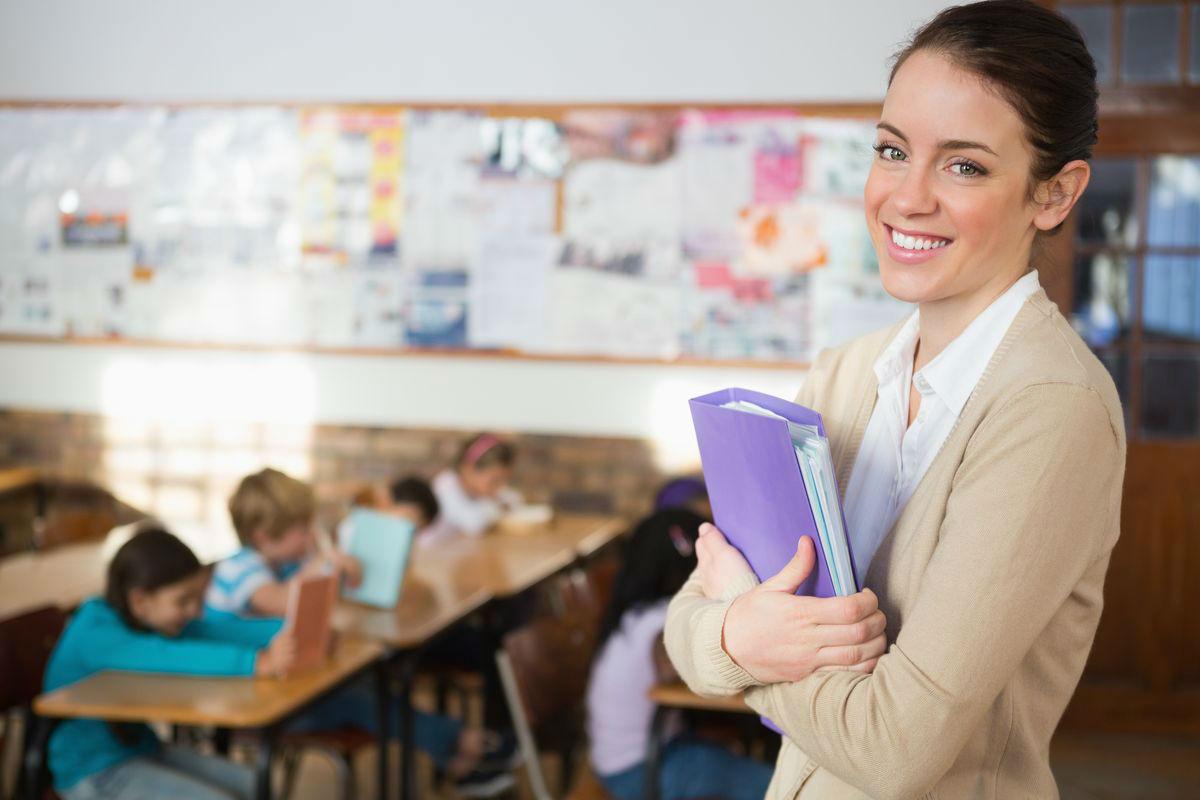 Педагоги дополнительного образования, классные руководители, воспитатели детских домов